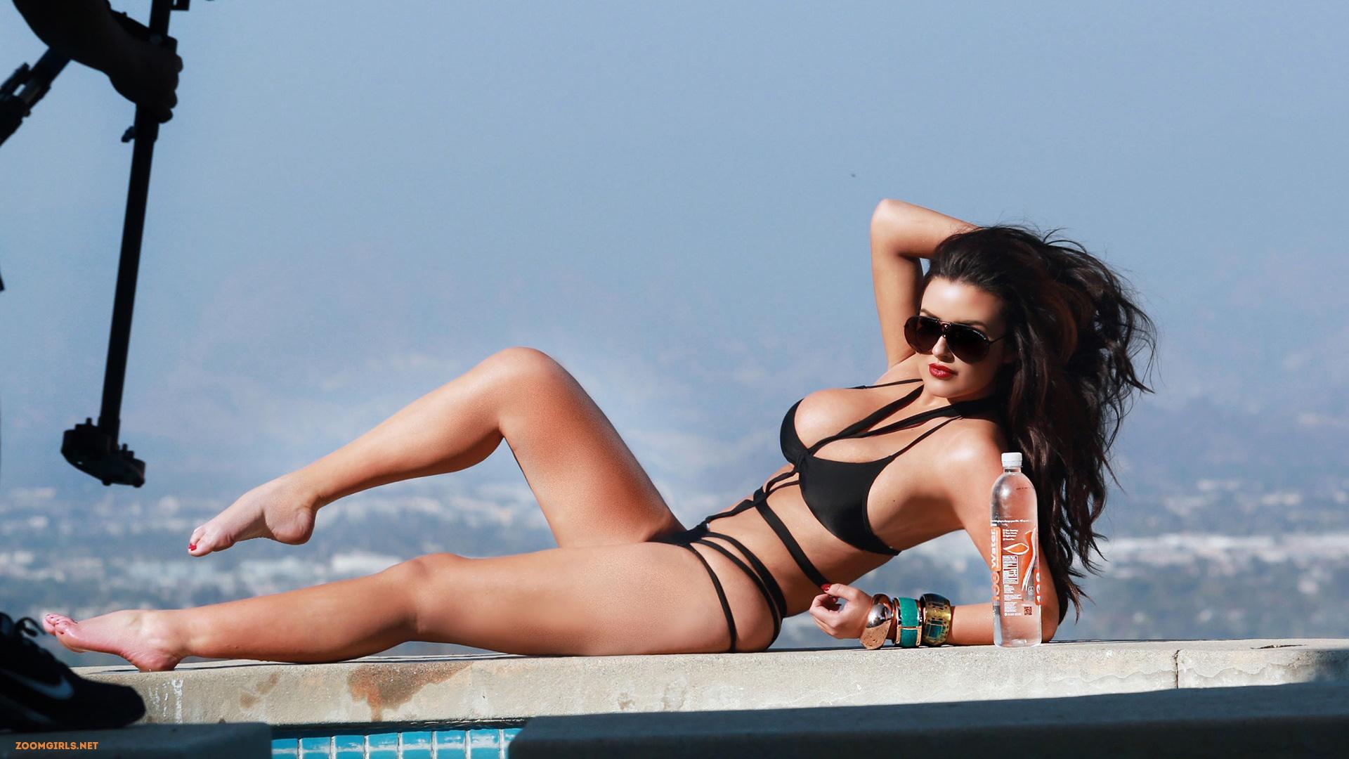 abigail ratchford hot busty brunette modelthe pool showing her