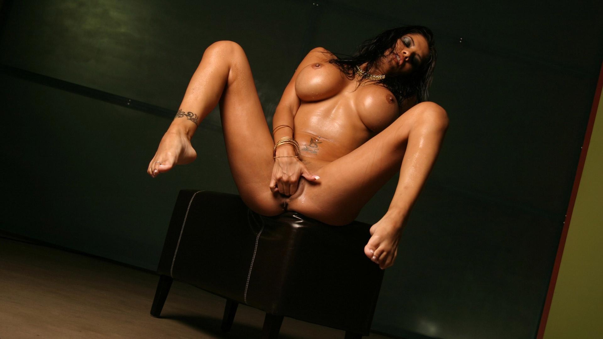 alexis amore masturbating in her deep vagina fisting adult