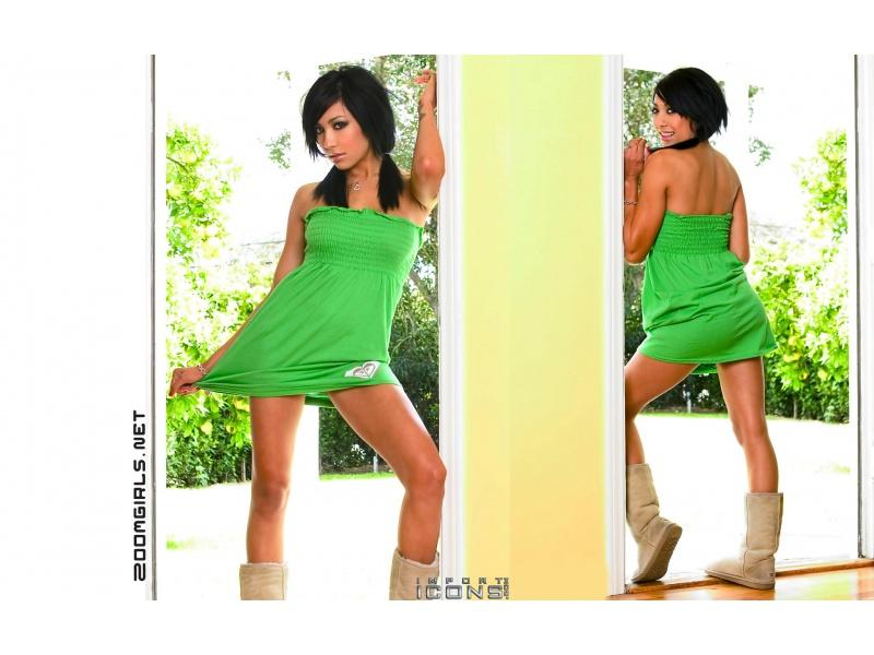 Alie layus nude pictures