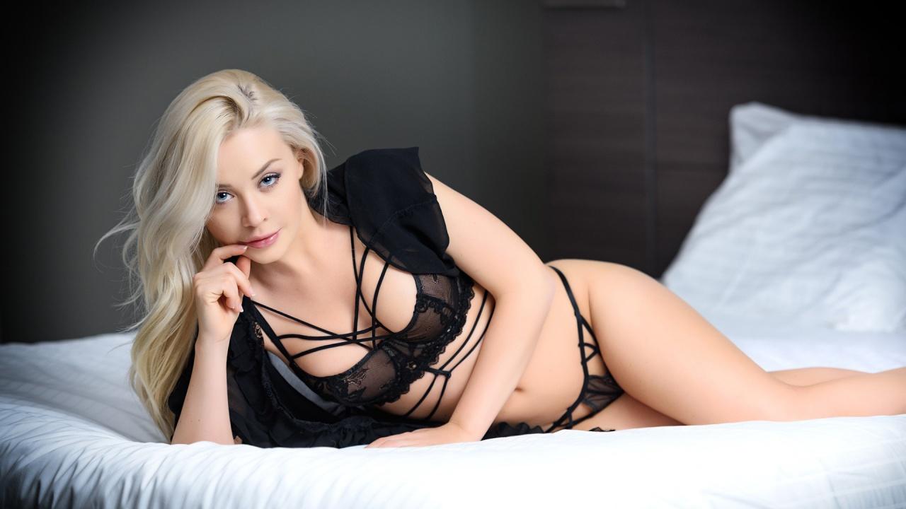 Hot Amber Karis BHotick nude photos 2019