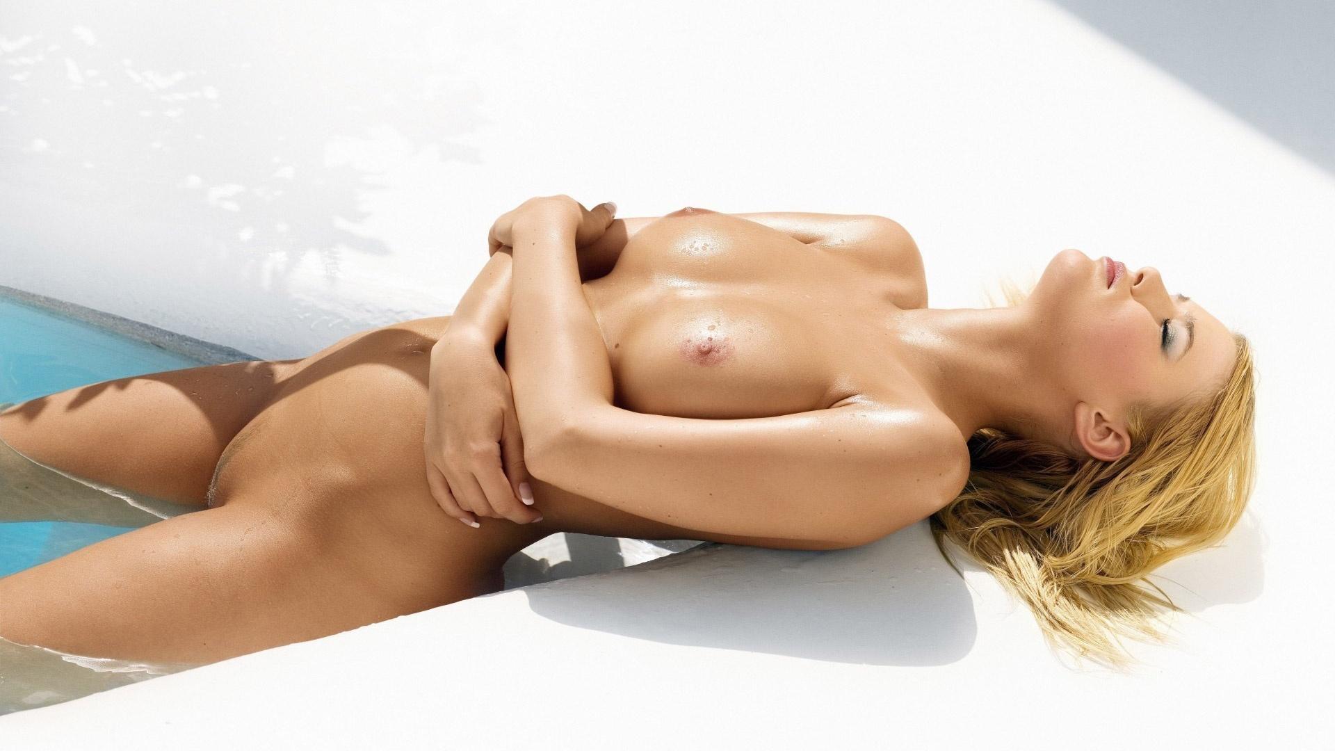 Chantal Hansen hot nude blonde wet at the pool exposing ...