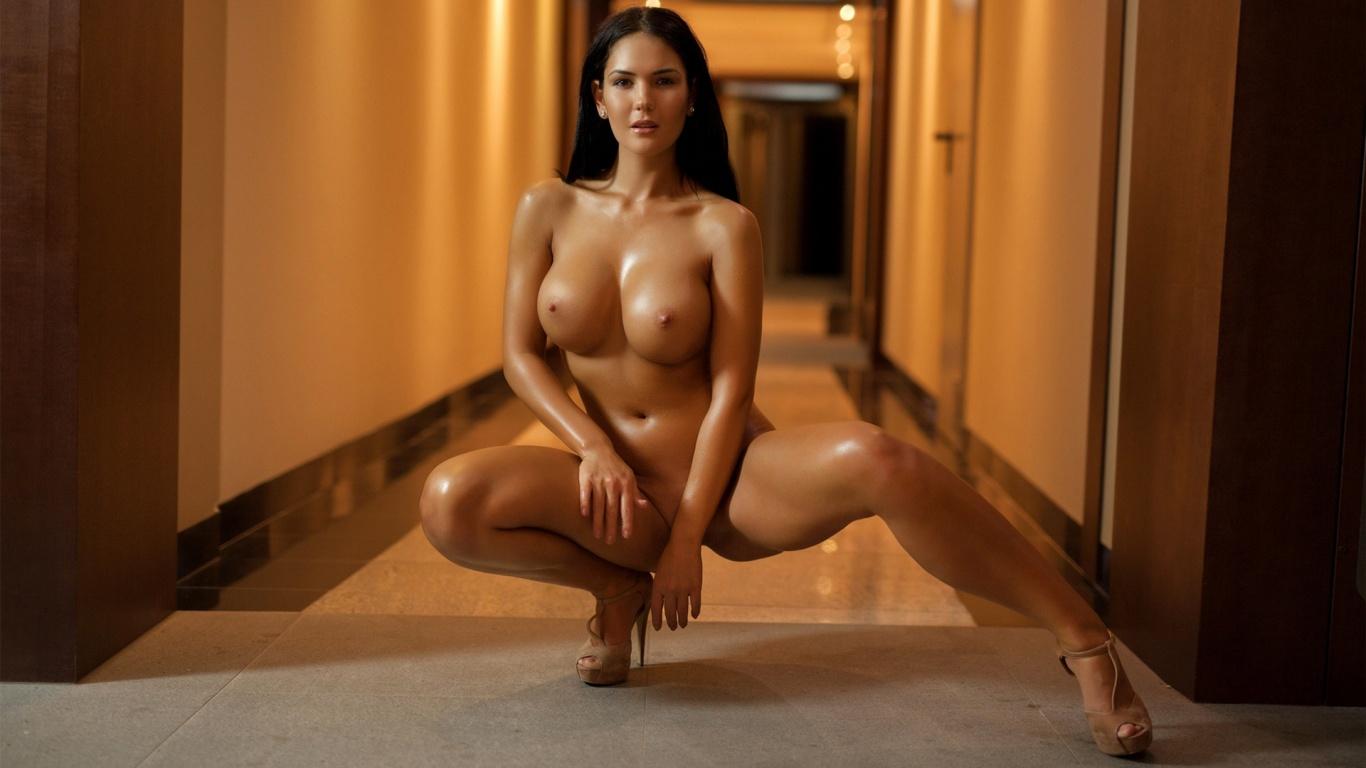 curvacious nackt modelle