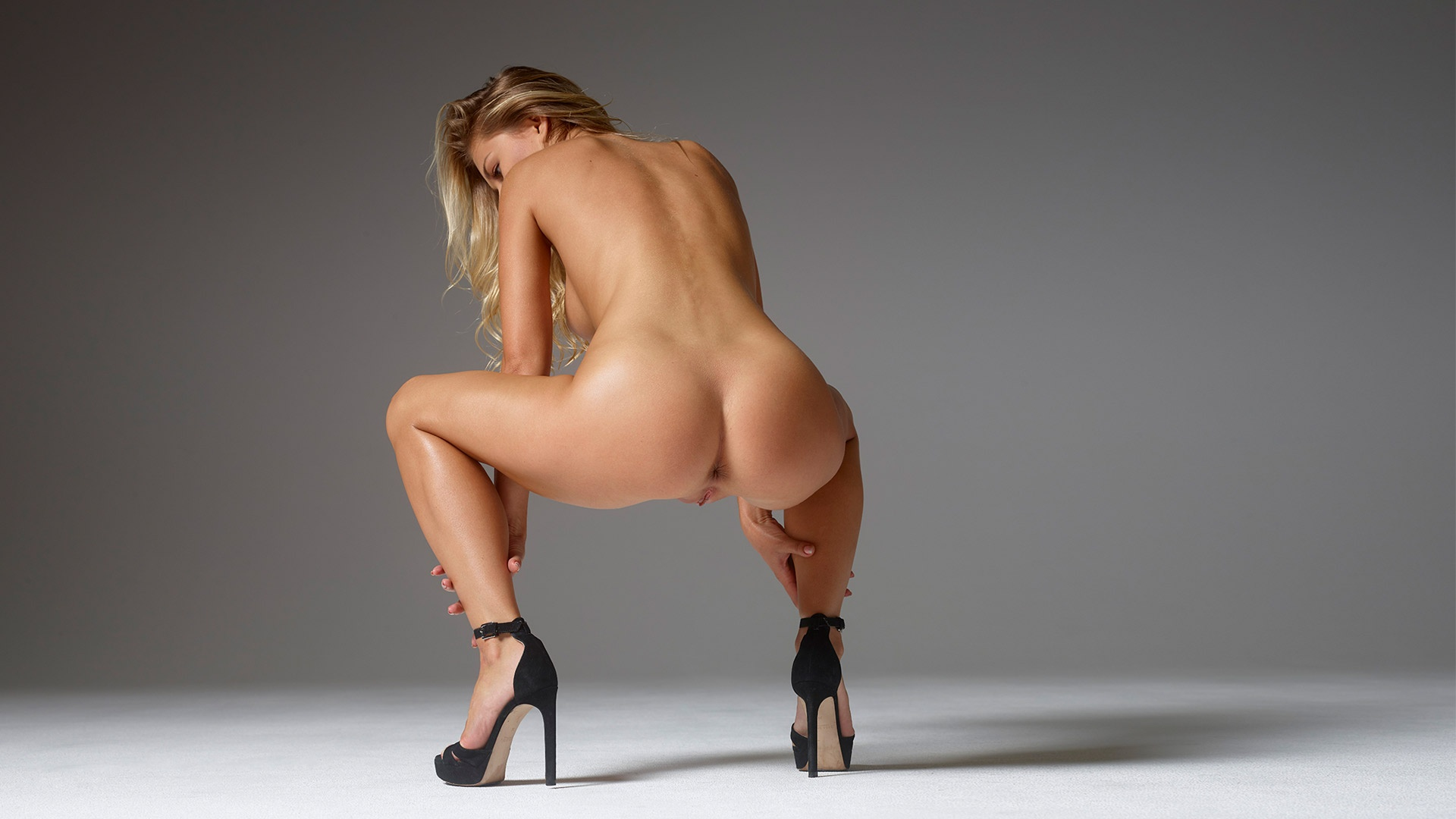 Perfect tight ass nude