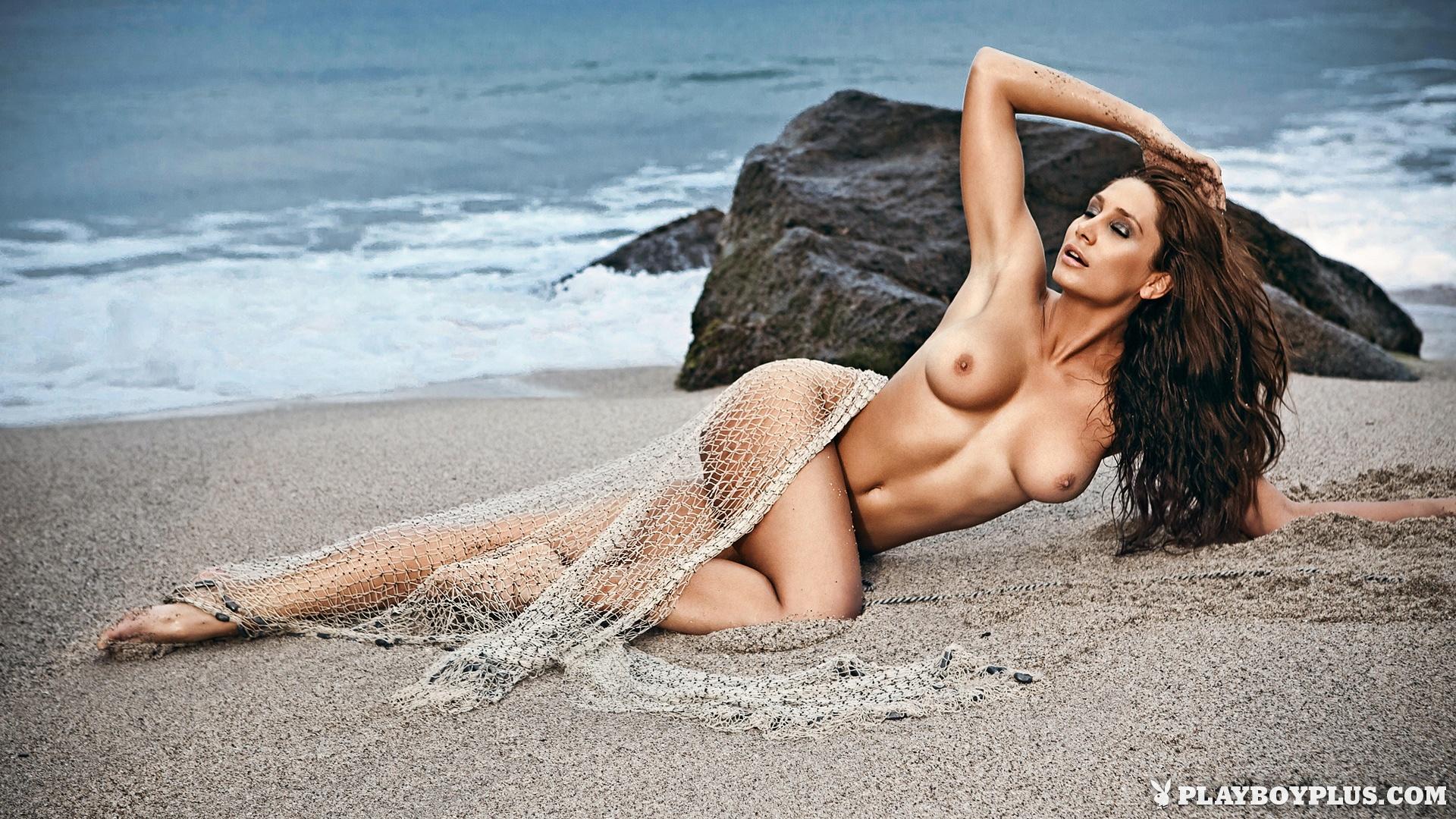 Hot string bikini babes