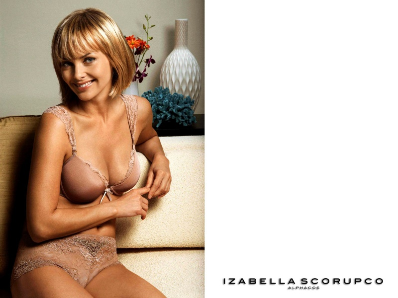 izabella scorupco topless