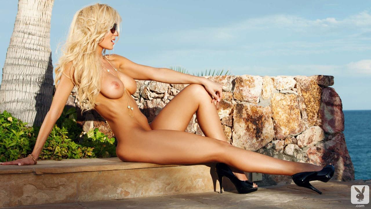 Similar jennifer nude sun bathing share