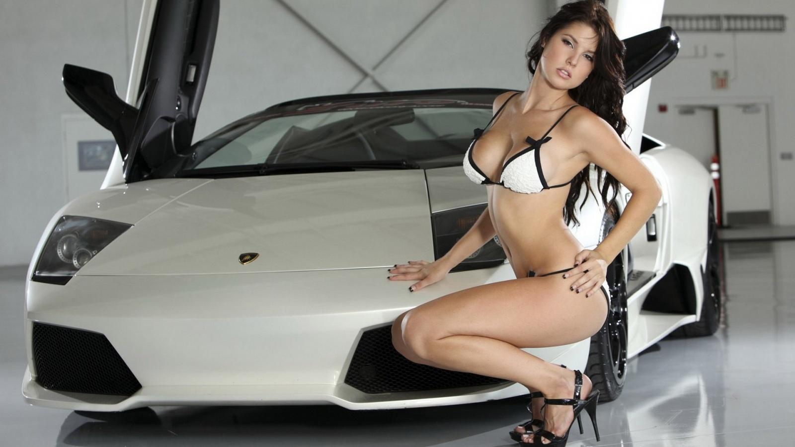 lamborghini gallardo and hot busty babe amanda cerny in bikinis sexy