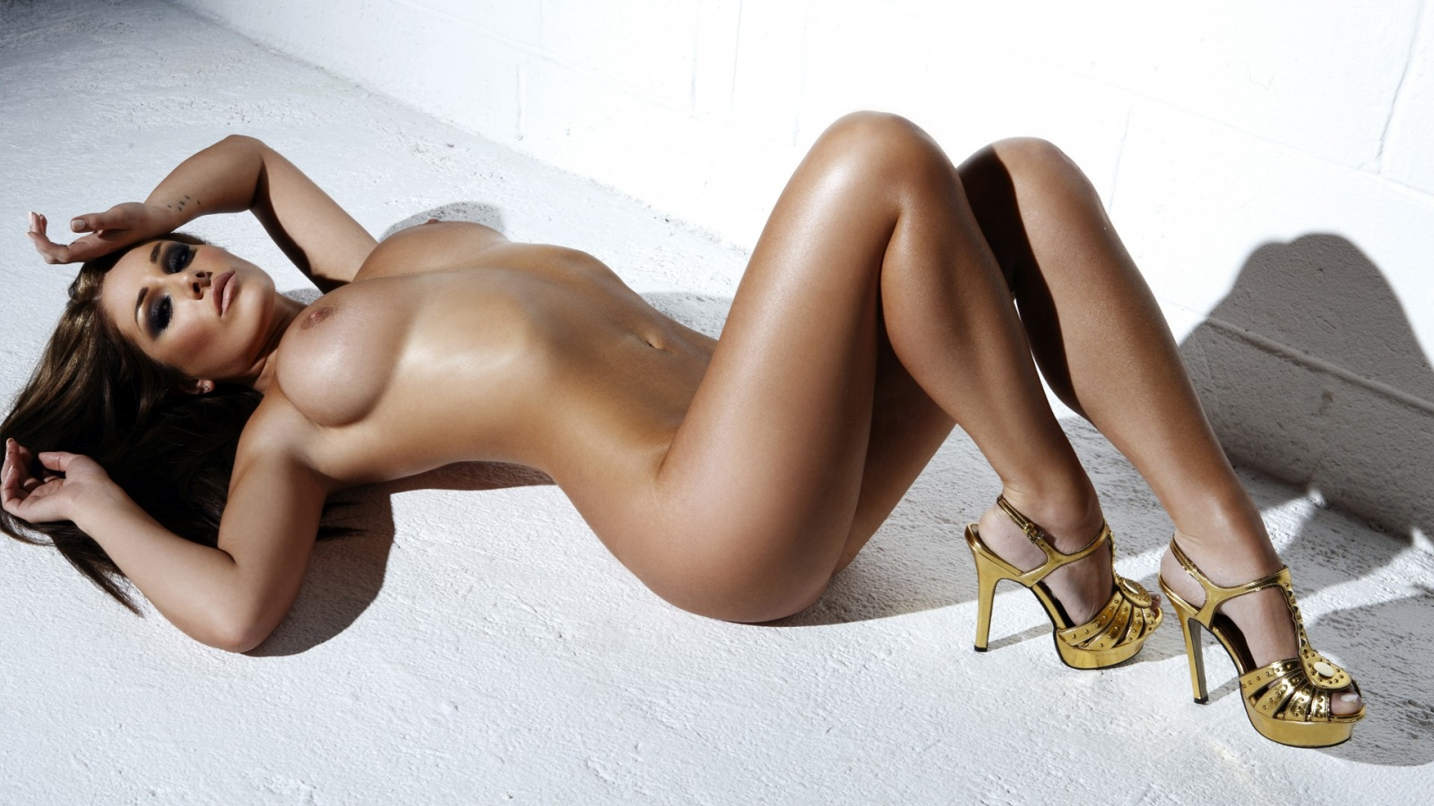 Lucy Pinder Naked beauty erotic model on the floor desktop ...: http://zoomgirls.net/view-lucy-pinder-6-1600x900.html