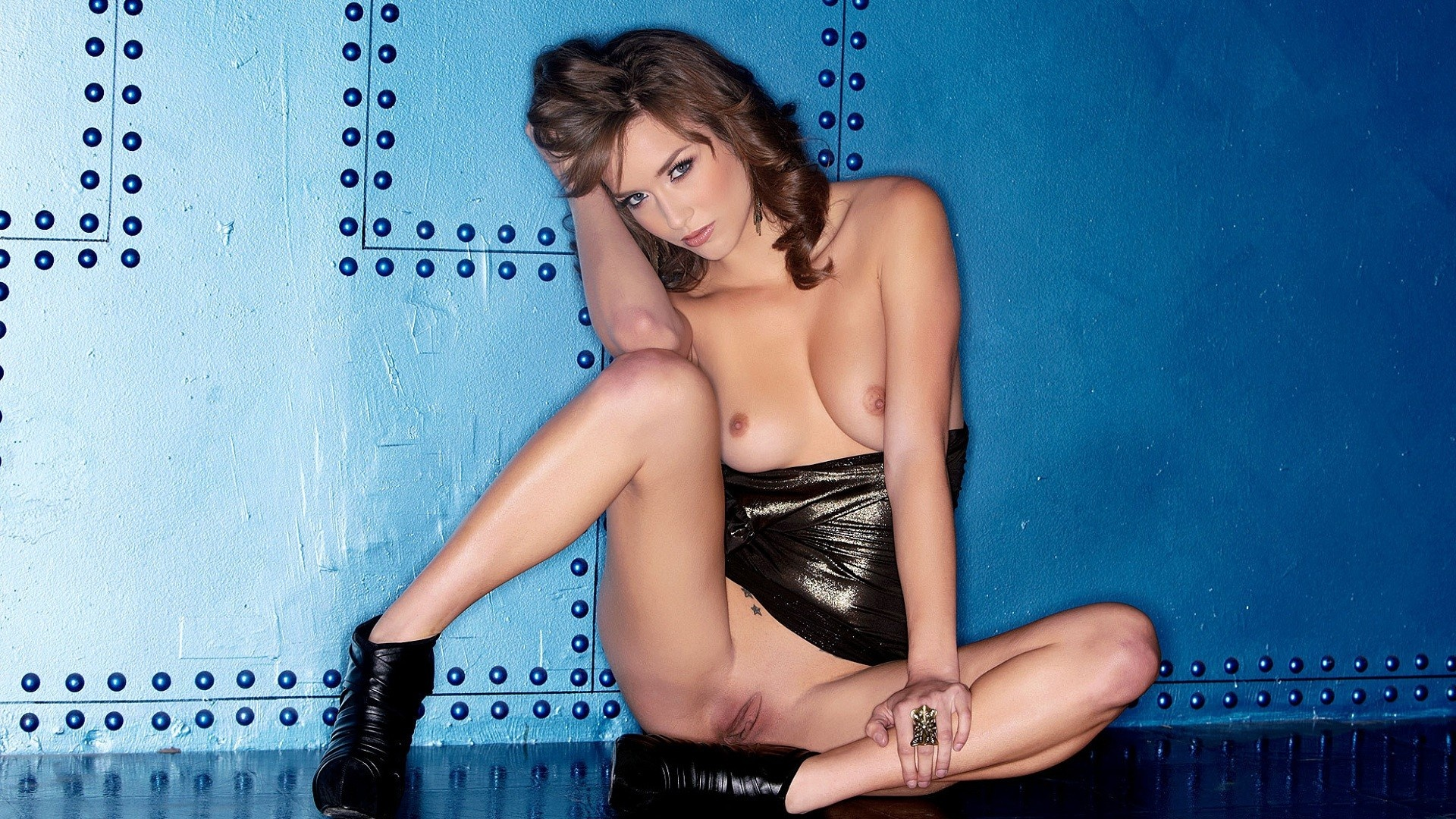 nude ipad wallpapers Sexy
