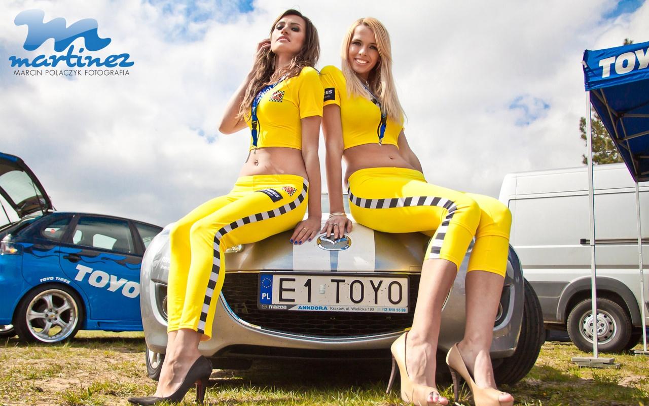 Hot grid girls nude