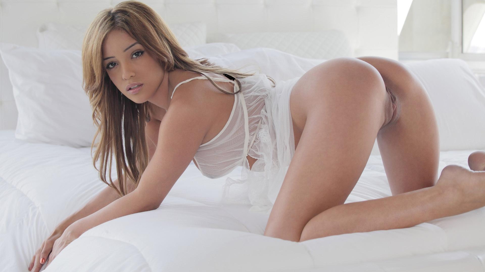 Hot latina models nude