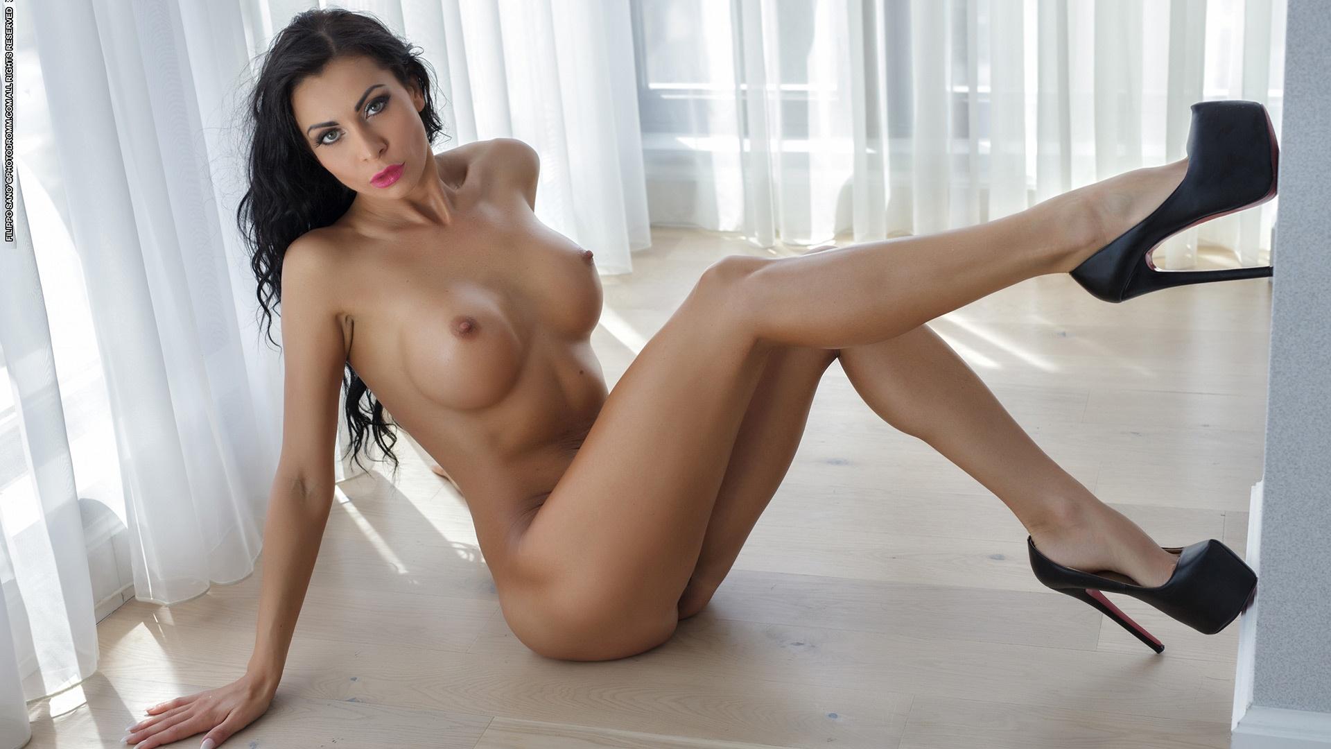 Nude chuby mexican girl