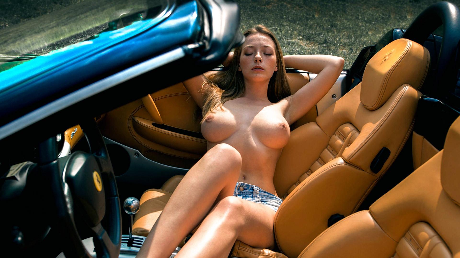 Anjaman sexy nude pic