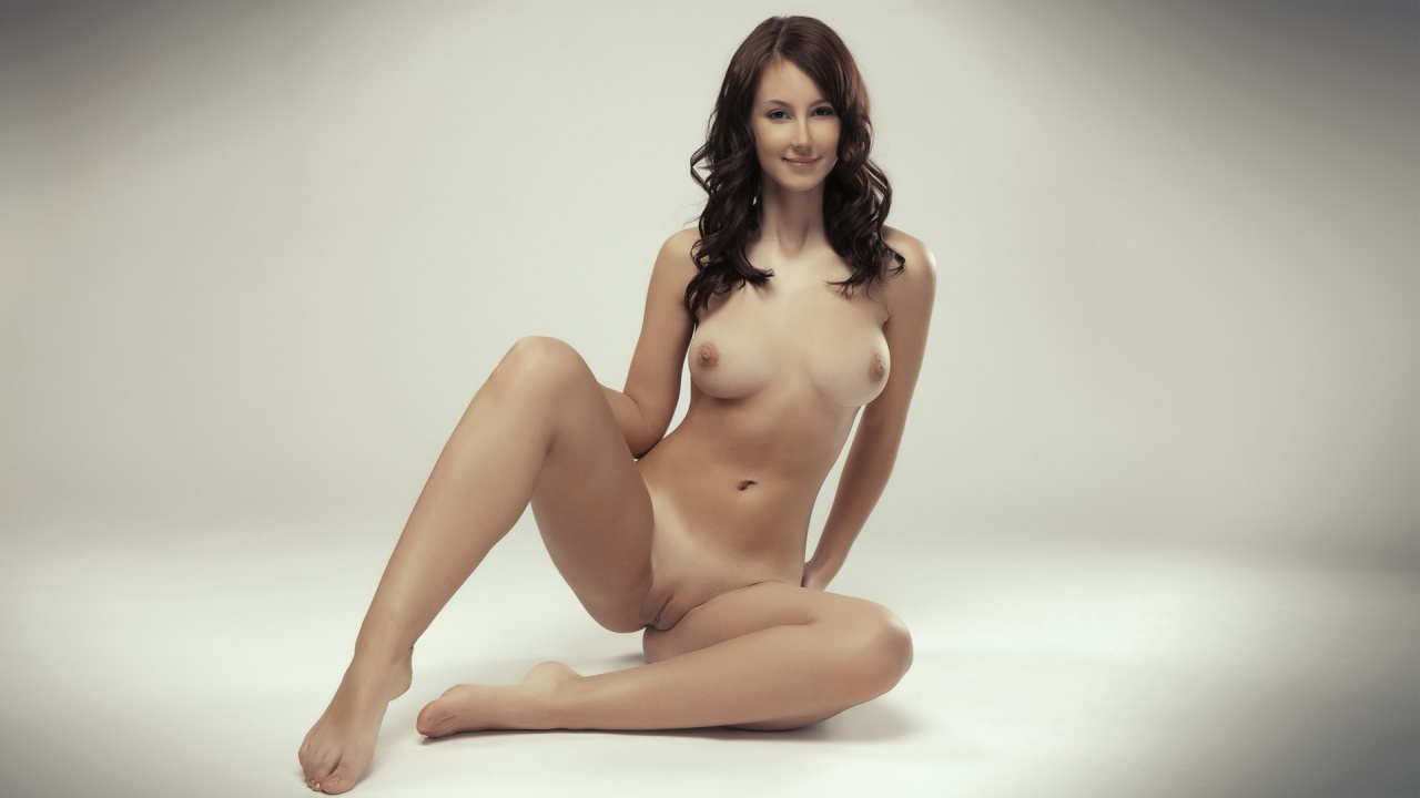 wide legs nude naked woman