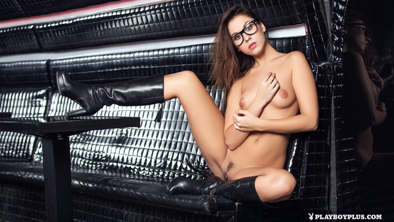 aka sabrisse aaliyah naked tight body eurobabe posing sexy for playboy