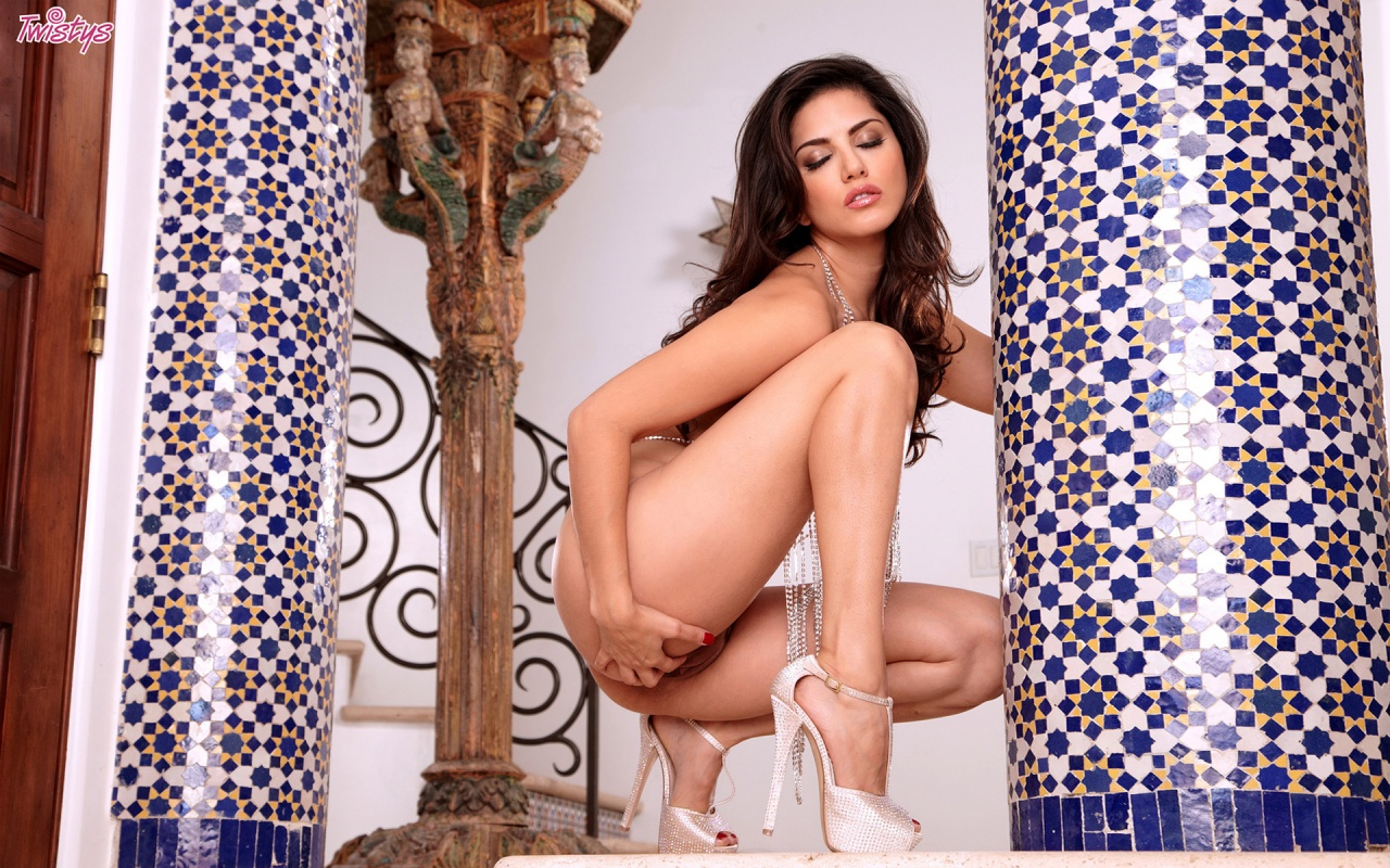 Iranian nude girls pussy