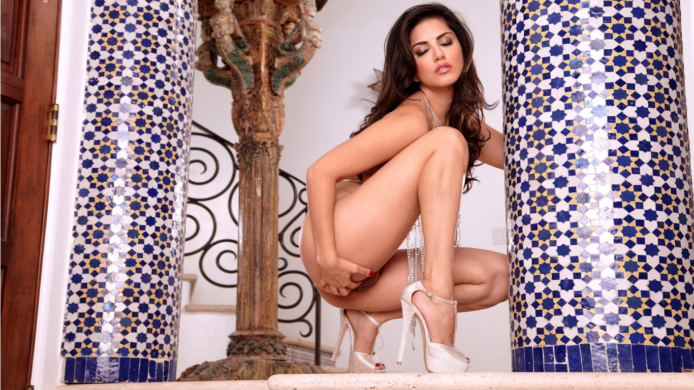 The hottest pornstars ever only on zoomgirls.net: Added: December 11, 2013.  Sunny Leone hot and nude persian ...