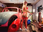 Bubble butt blonde and car