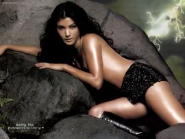 Kelly hu topless