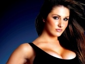 Lucy Pinder sexy portrait and cleavage photo wallpaper