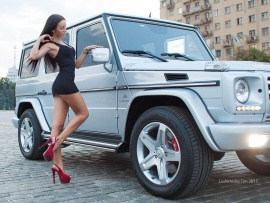 Mercedes G Class and hottie (click to view)