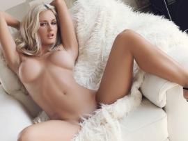 Sweet sexy nude