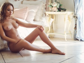 nude Bed models glamour