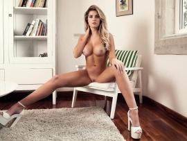 Sarah harris nude pics