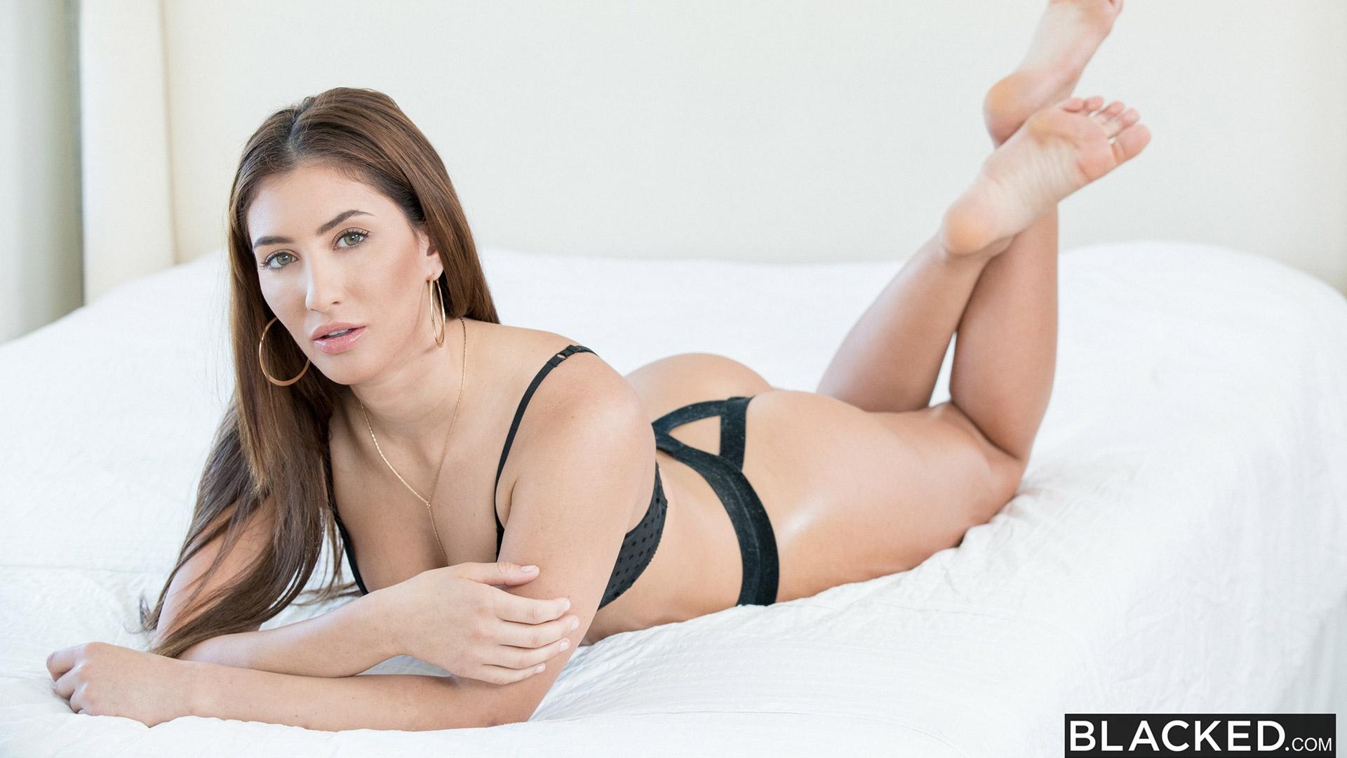 Davina Davis hot curves porn star in sexy lingerie for