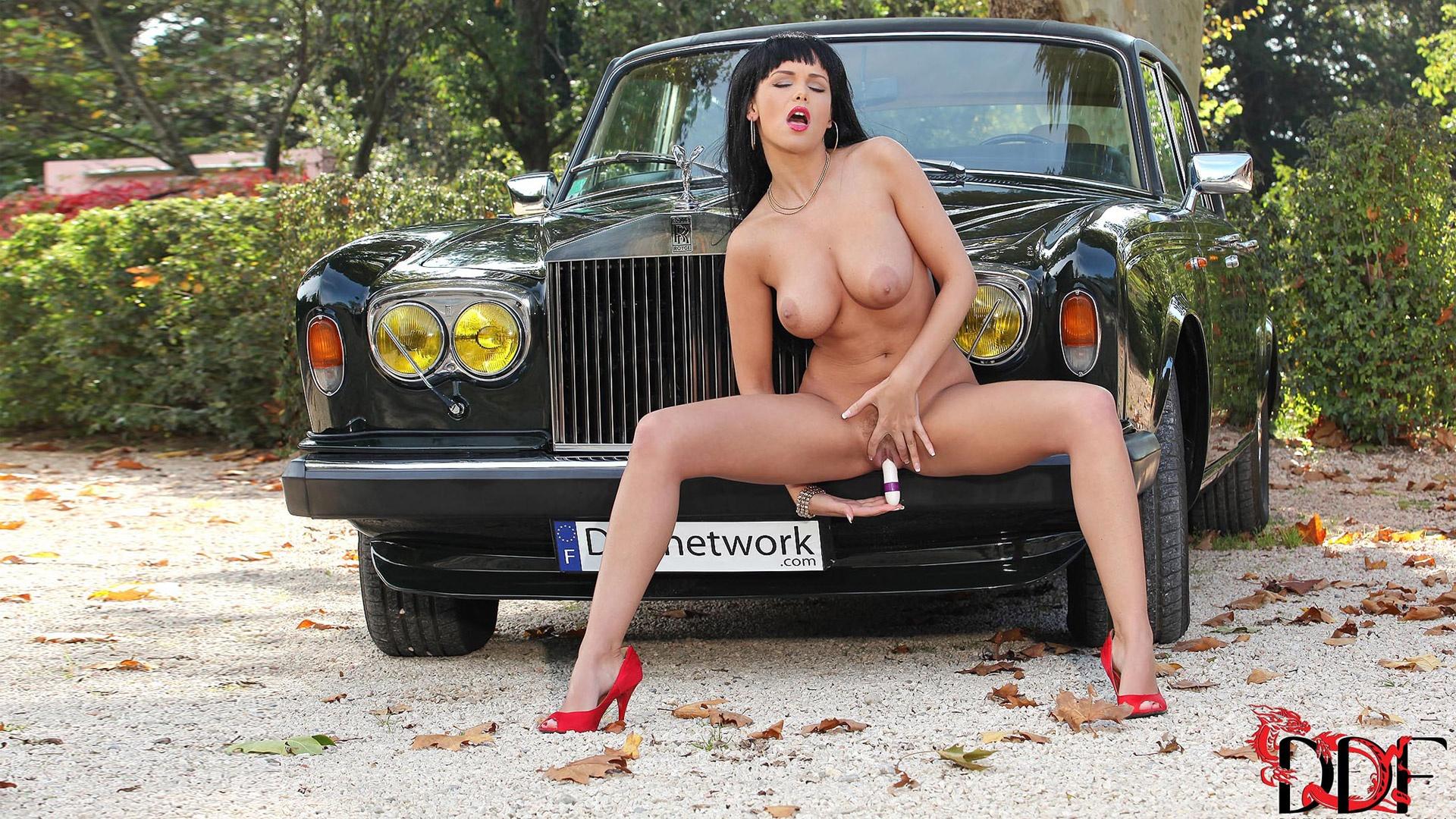 девушки на авто порно