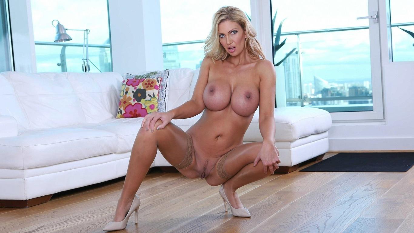 Outdoor hot big tits milf nude need