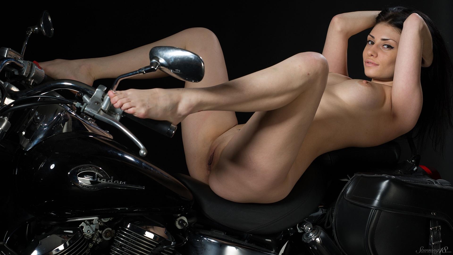 Nude photos of prancer