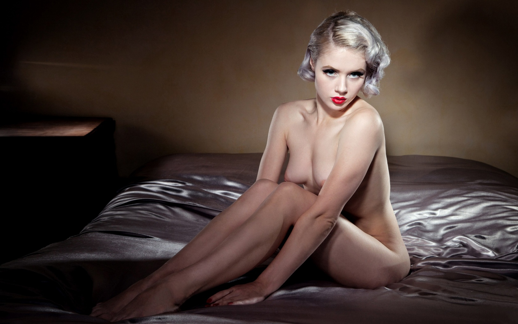 Miss skinny nude sexy pictures