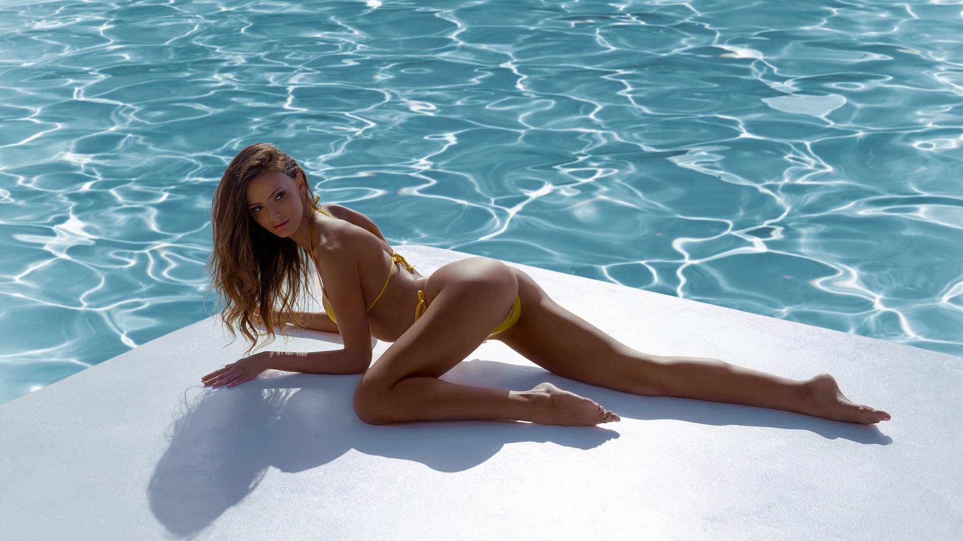 Noelle Santorini skinny stunning blonde bikini model by ...
