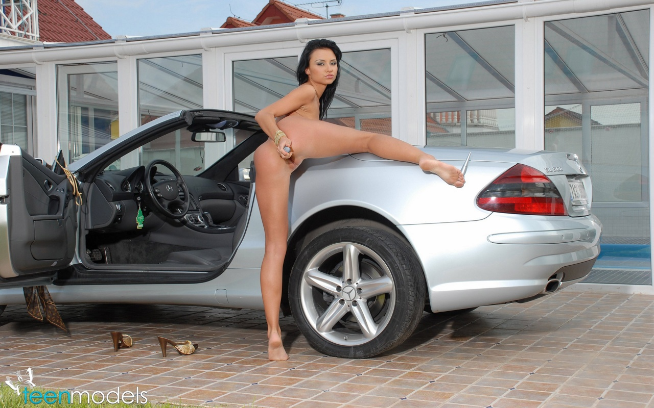 hot models naked on cars