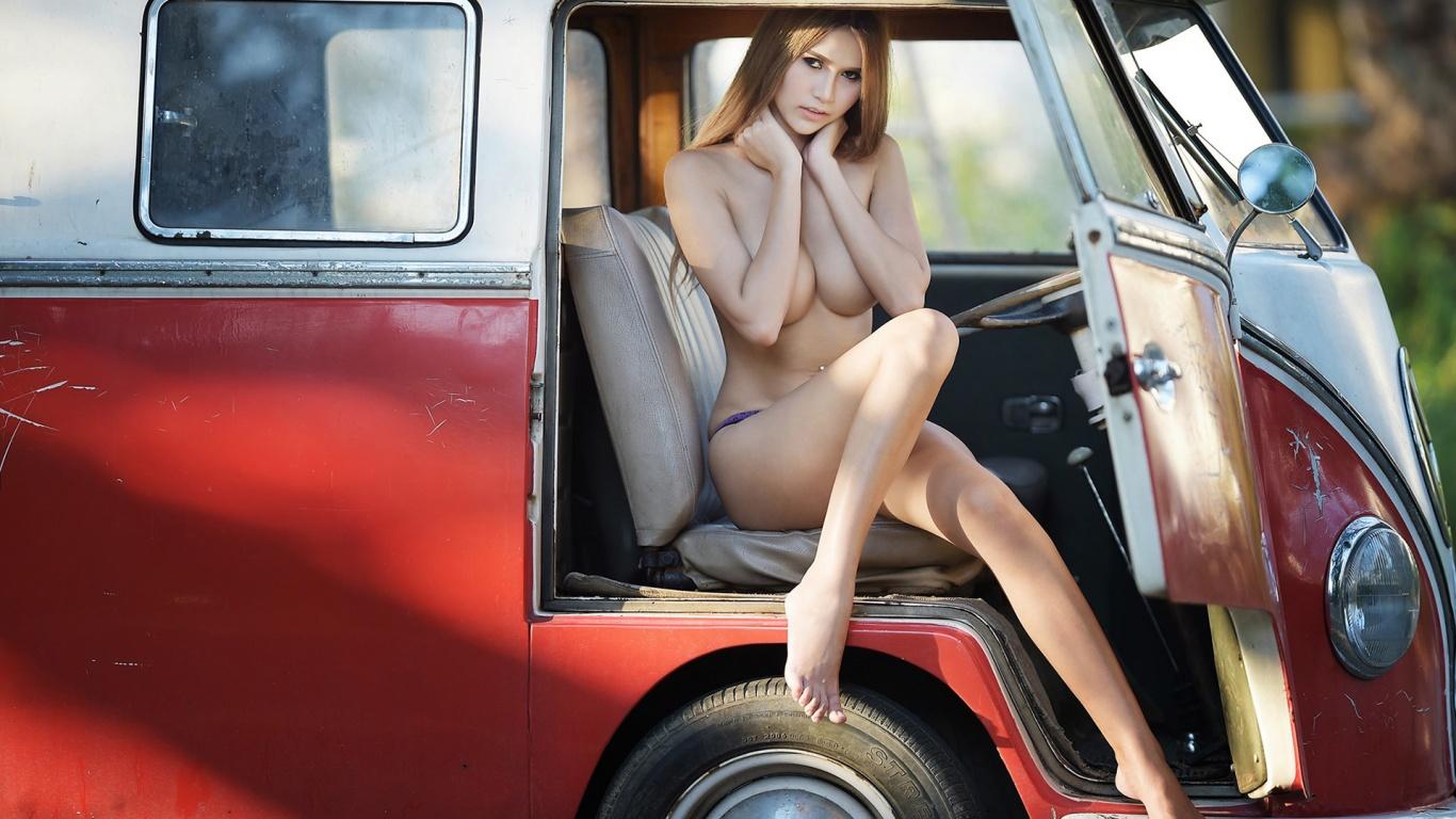 nude girls and volkswagen